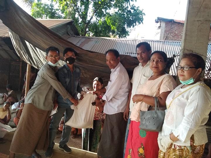 কক্সবাজার সদরের চৌফলদন্ডীতে অসহায় হতদরিদ্রদের পাশে আদিবাসি ফোরাম