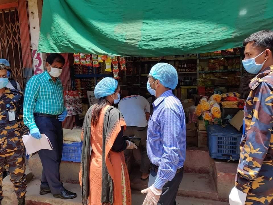 কক্সবাজারের বড়বাজারে রমজানের দ্রব্যমূল্য মনিটরিংয়ে মোবাইল কোর্ট : জরিমানা আদায়