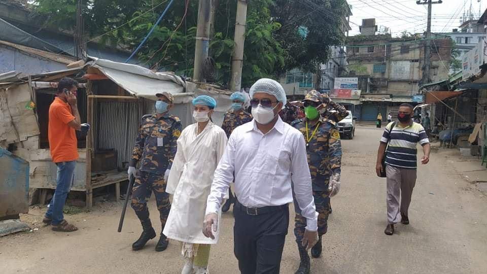 কক্সবাজার শহরে দোকান বন্ধে মোবাইল কোর্ট'র অভিযান : জরিমানা আদায়
