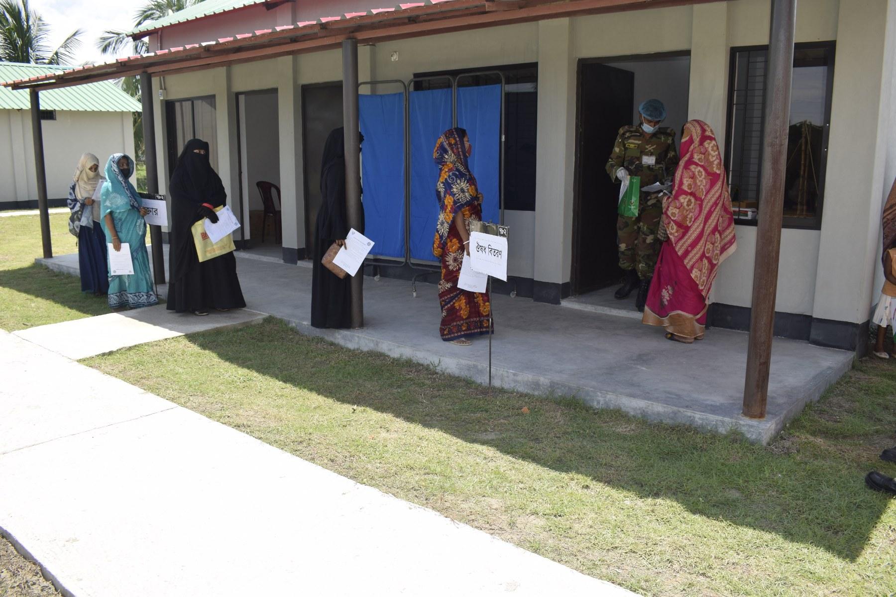 কক্সবাজারে গর্ভবতী মায়েদের জন্য সেনাবাহিনীর বিনামূল্যে চিকিৎসা সেবা