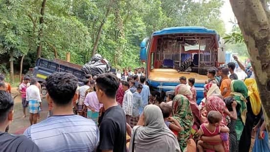 কক্সবাজার সদরের ইসলামপুরে বাস-পিকআপের সংর্ঘষ : আহত-১