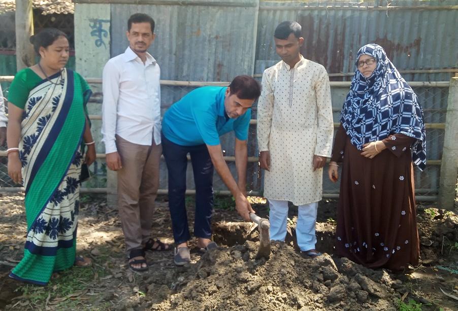 কুতুবদিয়া মহিলা কলেজ'র শহীদ মিনার নির্মাণ কাজ শুরু