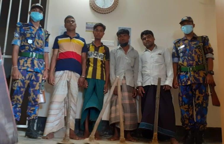 উখিয়ায় পাহাড় কাটার অভিযোগে রোহিঙ্গাসহ ৪জনকে কারাদন্ড