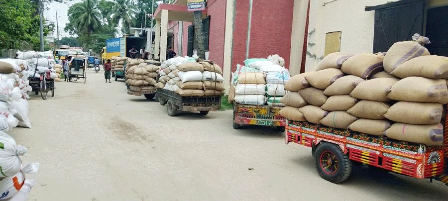 কক্সবাজার জেলায় ৪২৬জন কৃষক থেকে ১ হাজার ৬ মেট্টিক টন ধান ক্রয়