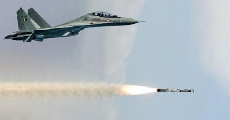 যুদ্ধবিমান থেকে ব্রহ্মস মিসাইলের সফল উত্ক্ষেপণ করল ভারতীয় বিমানবাহিনী