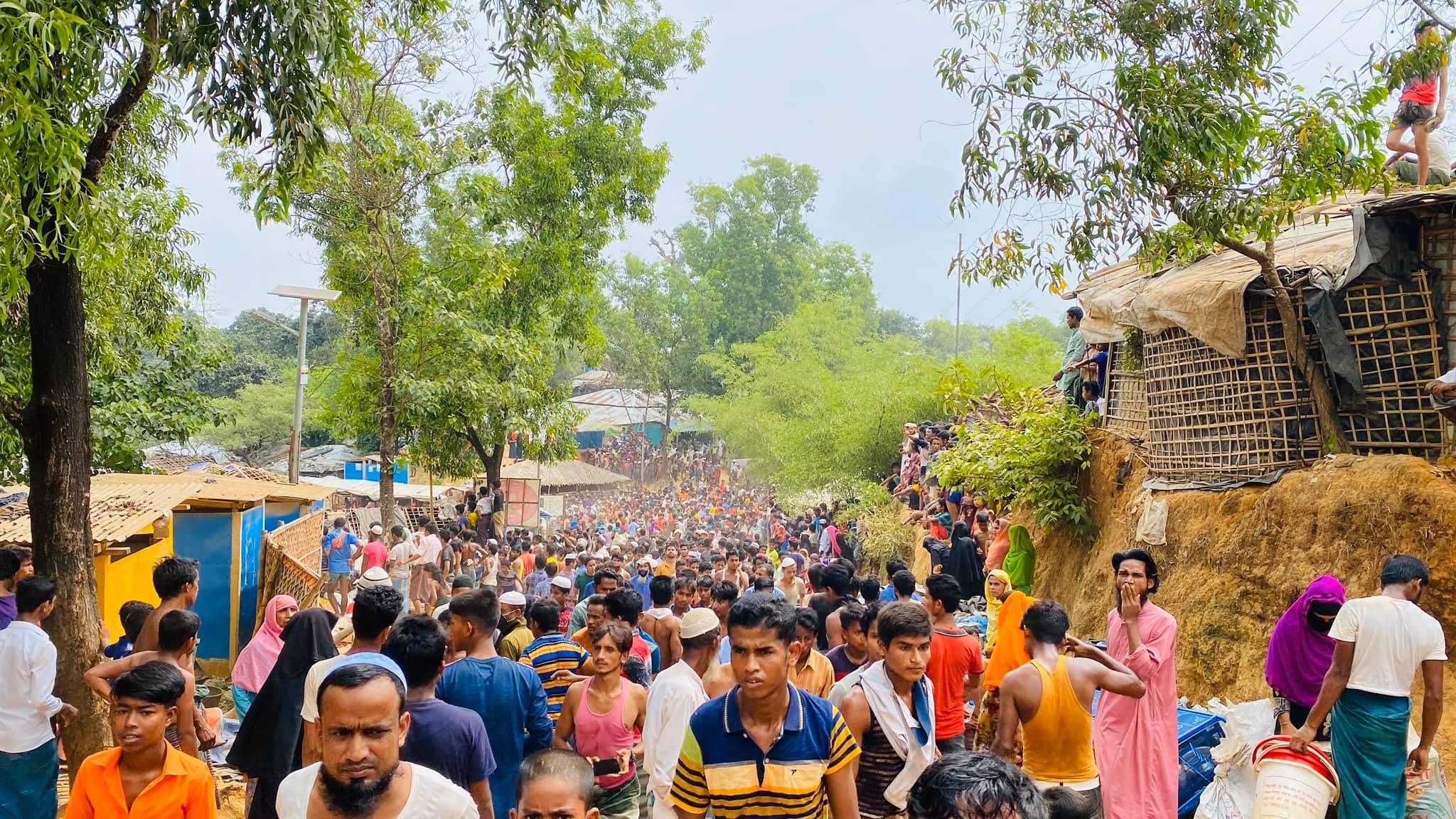 কক্সবাজারের কুতুপালং ক্যাম্পের নিরাপত্তা নিয়ে উৎকণ্ঠা : ভাসানচরে যেতে চান সাধারণ রোহিঙ্গারা