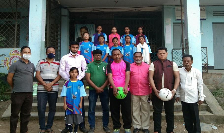 কক্সবাজার যুব নারী ফুটবল ক্লাবের প্রশিক্ষণ ক্যাম্প শুরু