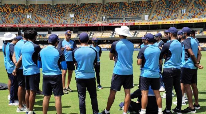 ইনজুরির ধাক্কায় বিধ্বস্ত ভারতীয় দল : শেষ টেস্টে সুস্থ ১১জন নামানোই চ্যালেঞ্জ