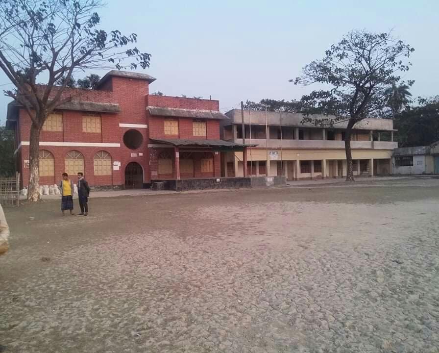 কক্সবাজারের মগনামা উচ্চ বিদ্যালয় : একাত্তর বছরেও নির্মিত হয়নি শহীদ মিনার!