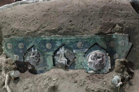২ হাজার বছর পুরনো রথ অক্ষত অবস্থায় পেলেন বিজ্ঞানীরা