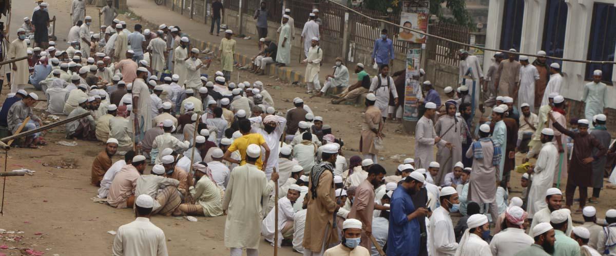 কক্সবাজার-চট্টগ্রাম মহাসড়কে যান চলাচল বন্ধ