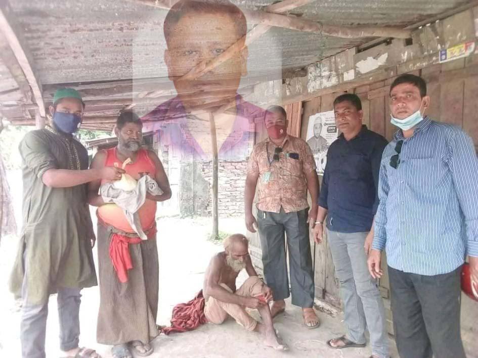 কক্সবাজারের সাবেক জেলা প্রশাসক মো: কামাল হোসেন'র করোনা মুক্তিতে মানসিক রোগীদের খাবার বিতরণ