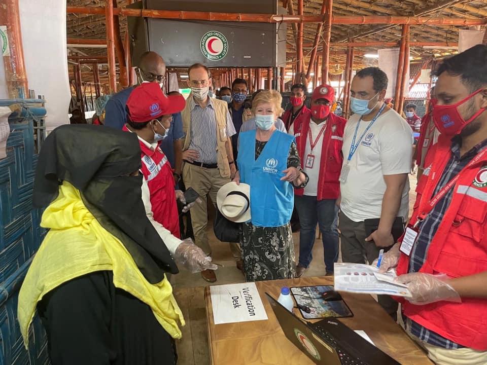 কক্সবাজারে রোহিঙ্গা শরণার্থী শিবিরের ব্যবস্থাপনায় সন্তোষ প্রকাশ করলেন UNHCR'র ২ শীর্ষ কর্মকর্তা