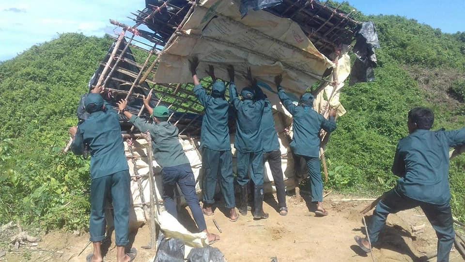 কক্সবাজার দক্ষিণ বন বিভাগের অভিযানে ৫ হেক্টর বনভূমি দখল মুক্ত : ১০টি অবৈধ ঘর উচ্ছেদ