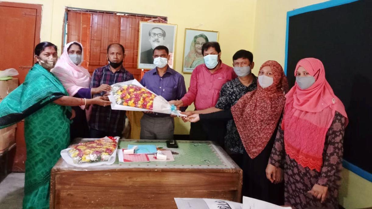 চকরিয়ার কাজিরপাড়া প্রাথমিক বিদ্যালয়ের কার্যক্রম পরিদর্শনে শিক্ষা কর্মকর্তা