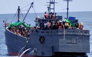 rohingya-boat-sea.jpg